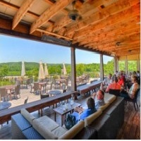 chandler-hill-vineyards-wineries-in-mo